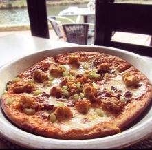 buffalo chicken pizza2